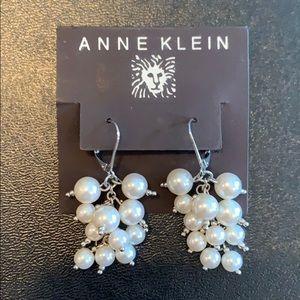 VTG Anne Klein dangle pearl silver earrings